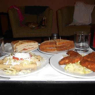 Room Service 24hs la gloria